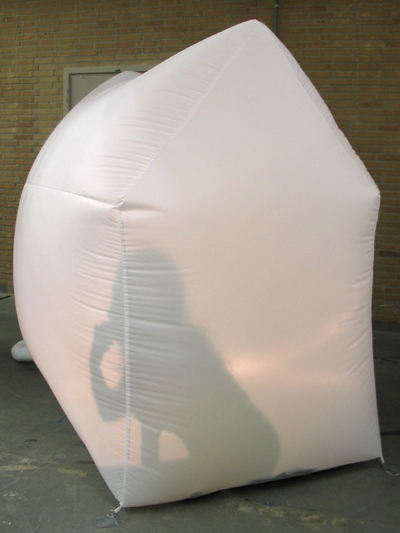 Kyoko's Inflatable Home performance